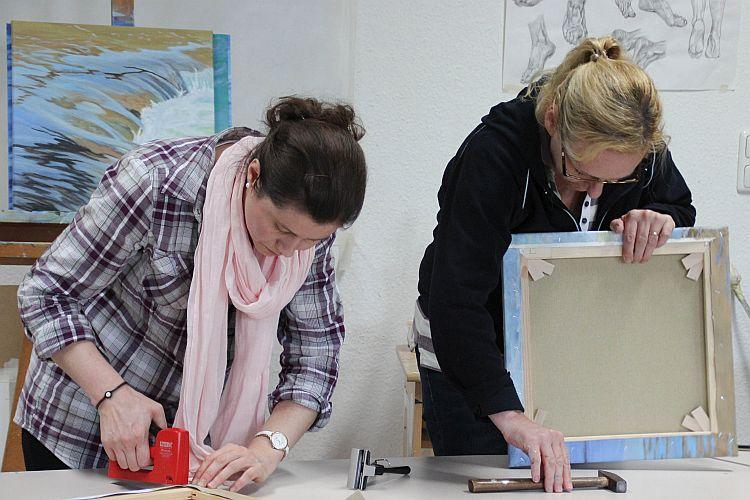 Keilrahmen bespannen Kunstakademie Wertheim, Akademie für Fotorealismus, Atelier Leoni